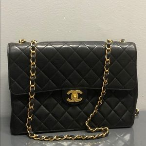 chanel jumbo black vintage single flap purse